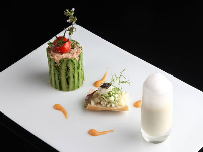 1024px-Carte_Printemps_Spring_menu_in_a_Michelin_starred_restaurant,_Geneva_Switzerland